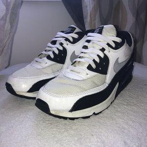 Nike Shoes - Air Max 90